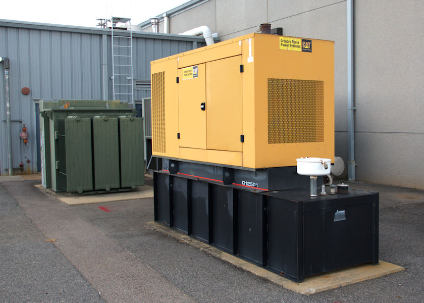 Cat Diesel Fuel Generator with Belly Tank